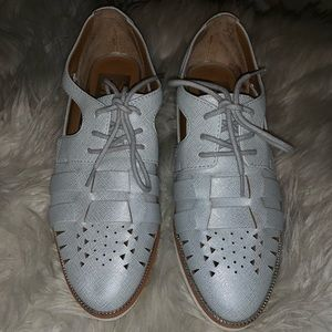 NWOT Dolce Vita DV perforated Oxford shoes